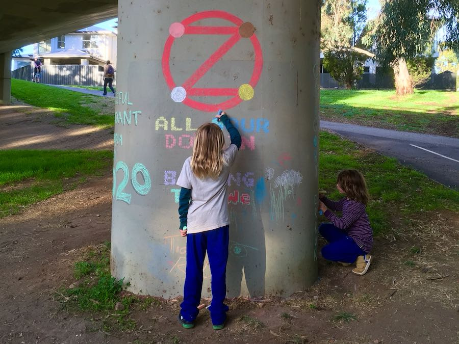 Example: Children chalking pillar